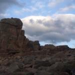 bretagne-nuages-et-rocher